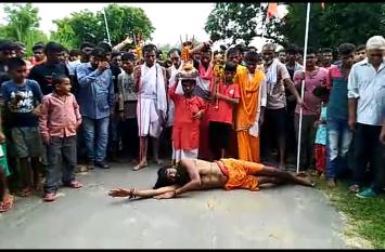 वीवीआईपी जिले में एक संत ने प्रधानमंत्री की लंबी उम्र के लिए और अनुच्छेद 370 के लिए किया यह काम