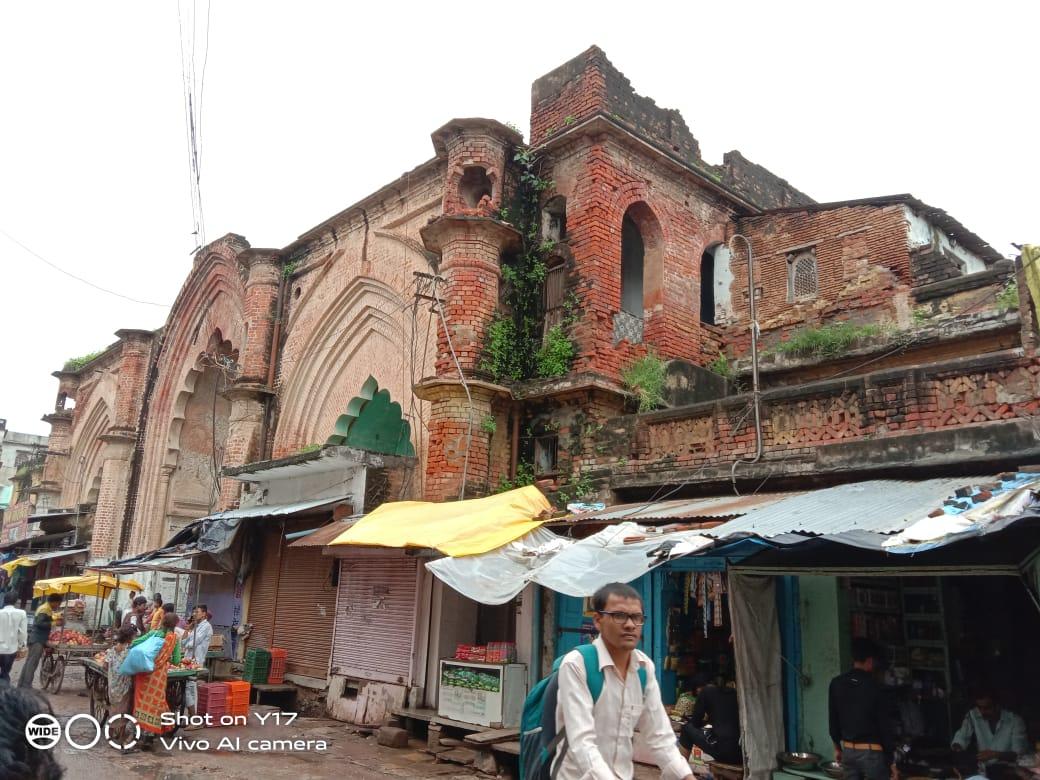 10  भवनों को किया गया था डेड़, 7 को छोड़ ३ को तोड़ा गया