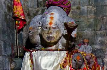 यहां दो धर्मों के लोग एकसाथ करते हैं पूजा, कैलाश मानसरोवर के बाद माना जाता है दूसरा पवित्र तीर्थ स्थल