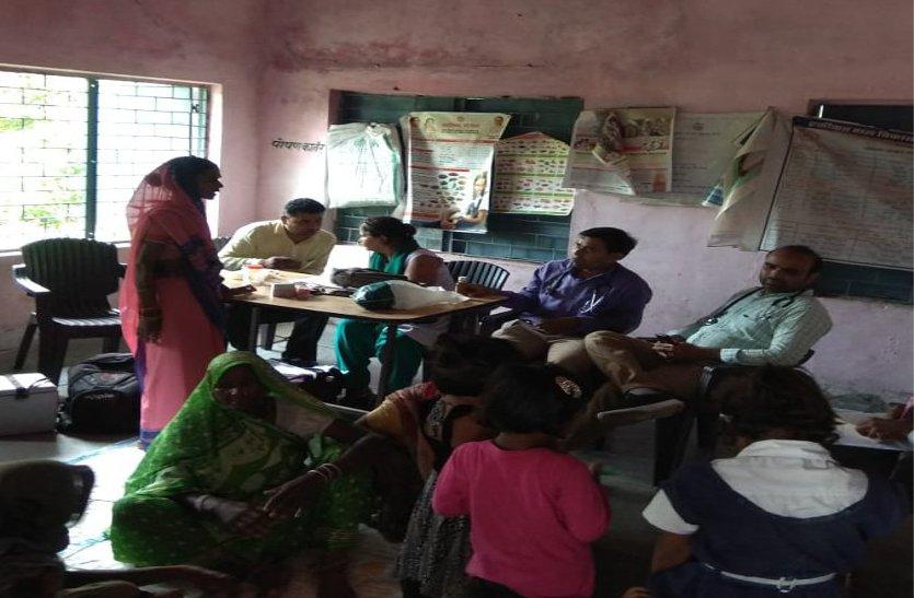 घाट बरोदिया गांव में उल्टी-दस्त का प्रकोप, स्वास्थ्य विभाग की टीम ने संभाला मोर्चा, पढ़ें खबर