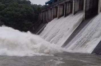 राजस्थान के इस बांध का फिर बजा सायरन, पानी की आवक को देखते हुए 3 फिट तक खोलने पड़े गेट