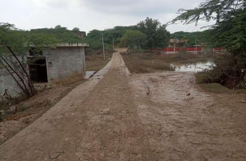 दो गांवों के रास्ते खुले, पटरी पर लौटने लगी बाढ़ प्रभावित ग्रामीणों की जिंदगी
