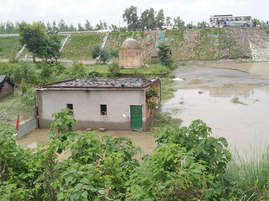 सहारनपुर के सरसावा क्षेत्र में बाढ़ जैसे हालात