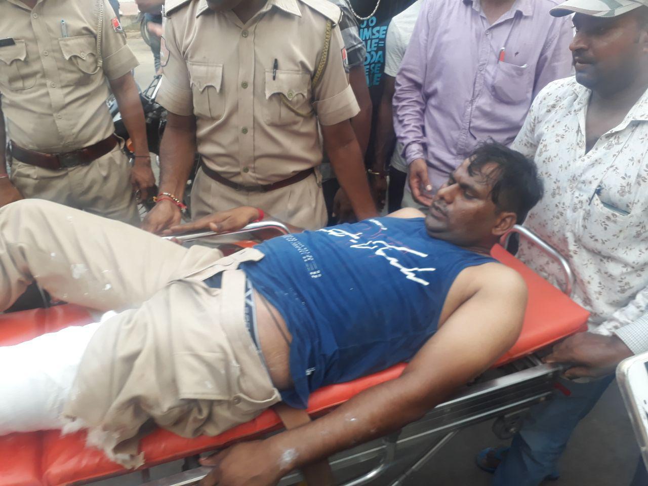 watch जयपुर में पुलिस और बदमाशों में मुठभेड़, दो पुलिसकर्मियों को लगी गोली...देखे video