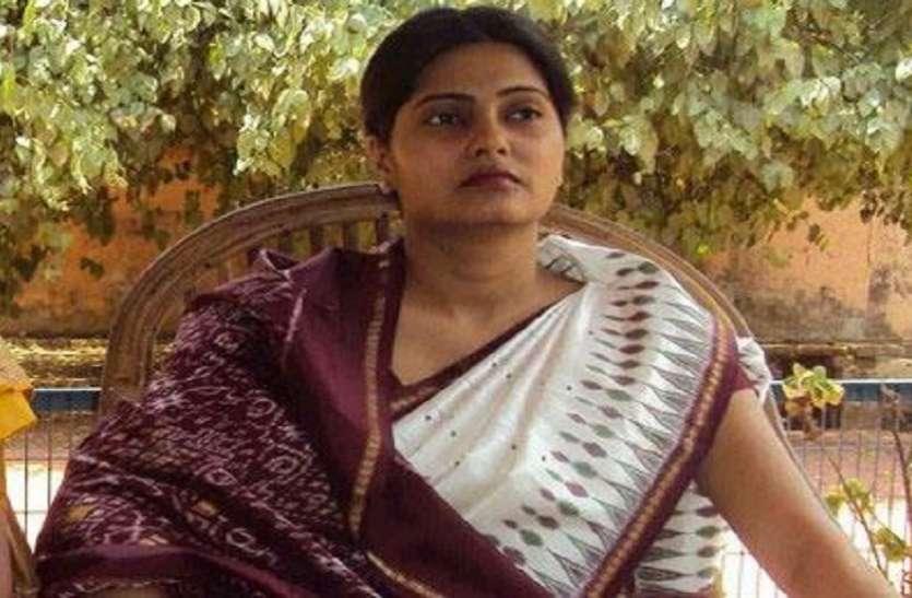 अनुप्रिया पटेल का प्रियंका गांधी से मिलना पड़ा भारी, बीजेपी ने इस नेता को मंत्री बना कर उड़ायी नीद