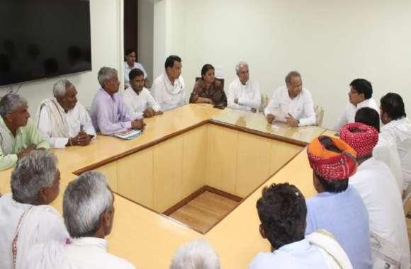 मुख्यमंत्री ने किसानों को दिया भरोसा,महापड़ाव स्थगित