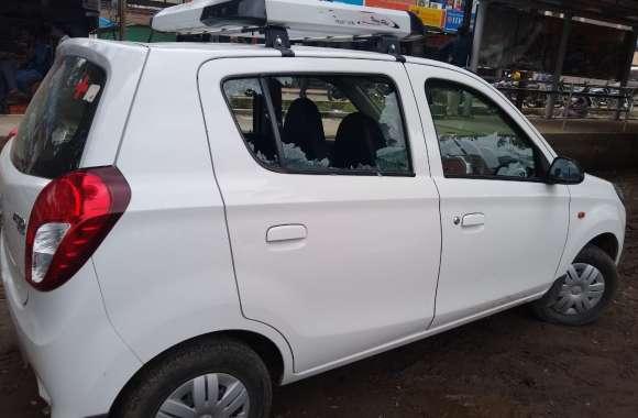 बेहोशी का इंजेक्शन लगाने वाले डॉक्टर की कार का कांच फोडक़र चुराए 23 हजार रुपए