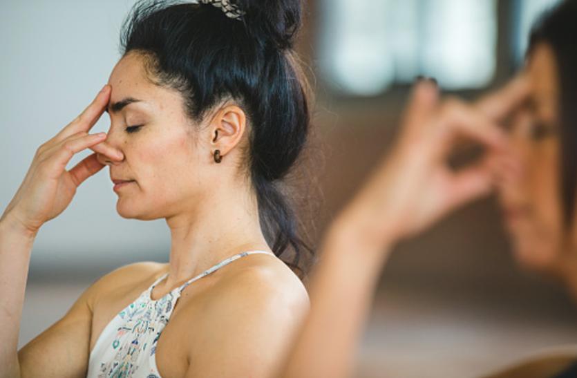 Pranayama Benefits - प्राणायाम से बढ़ती है सुनने की क्षमता