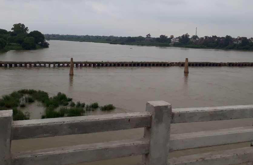 एमपी के इस जिले में बांध-नदियों का जलस्तर बढ़ा, प्रशासन ने किया अलर्ट
