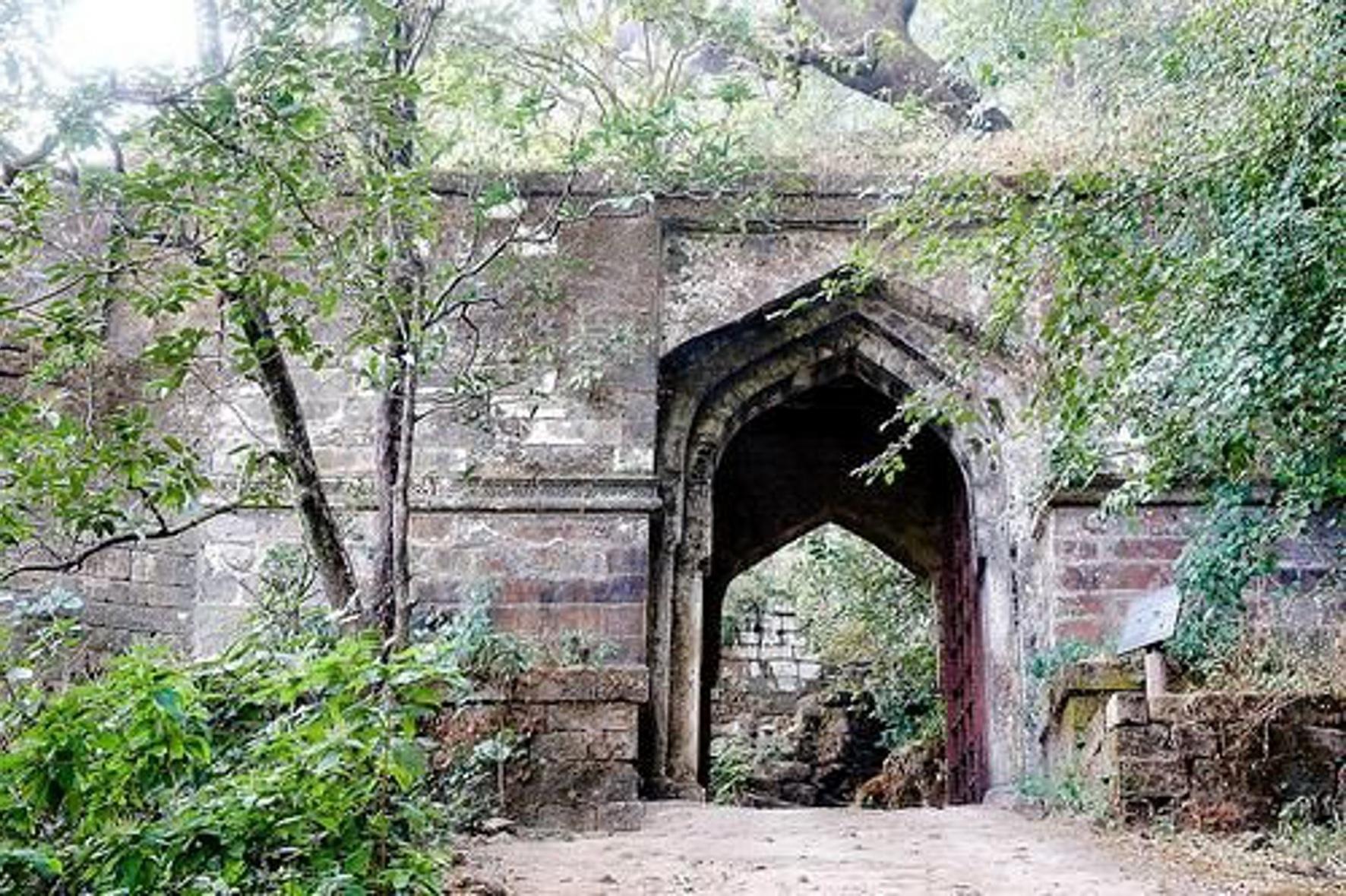 दो हजार पुराने किले में सजेगा मेला
