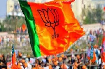 सीएम योगी और भाजपा को 2022 के चुनाव में भारी पड़ सकता है ये एक निर्णय