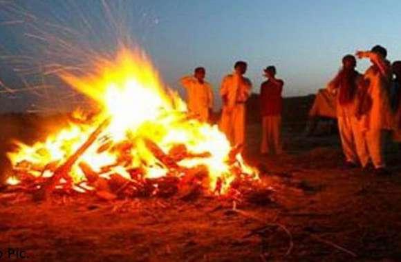 शव का अंतिम संस्कार कर रहे थे परिजन, अचानक हुआ कुछ ऐसा कि गायब हो गई जलती चिता
