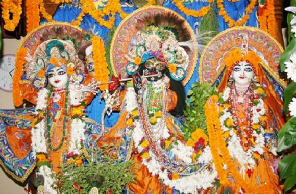 श्री कृष्ण जन्माष्टमी- रूस के कलाकार बनारस के इस मंदिर में पेश करेंगे भजन