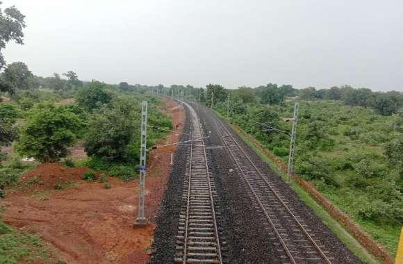 इस रेल लाइन के यात्रियों को मिलने जा रही बड़ी सौगात, तेजी से चल रहा दोहरीकरण का काम, यहां शुरू होगी टेस्टिंग