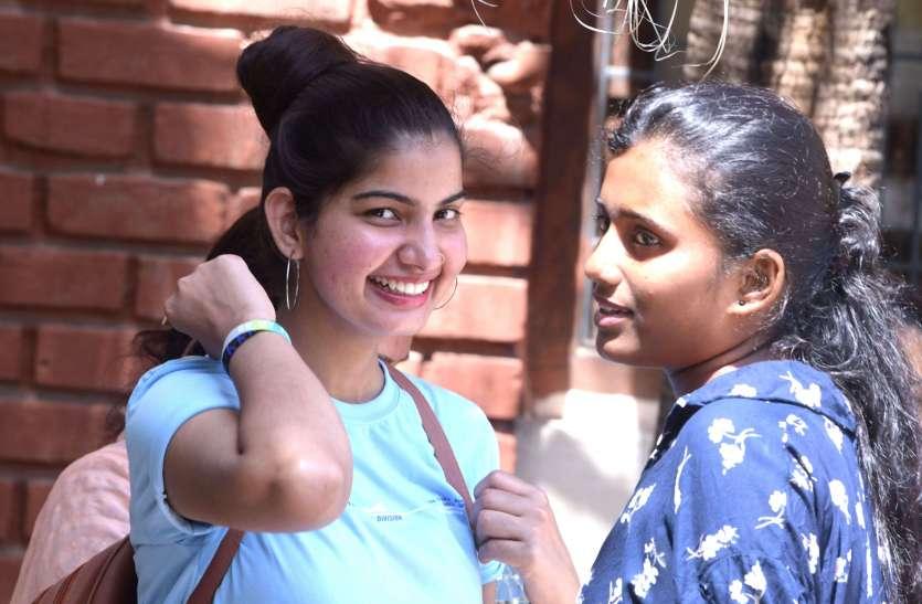 कॉलेजों में दिखने लगी छात्रसंघ चुनाव की रंगत