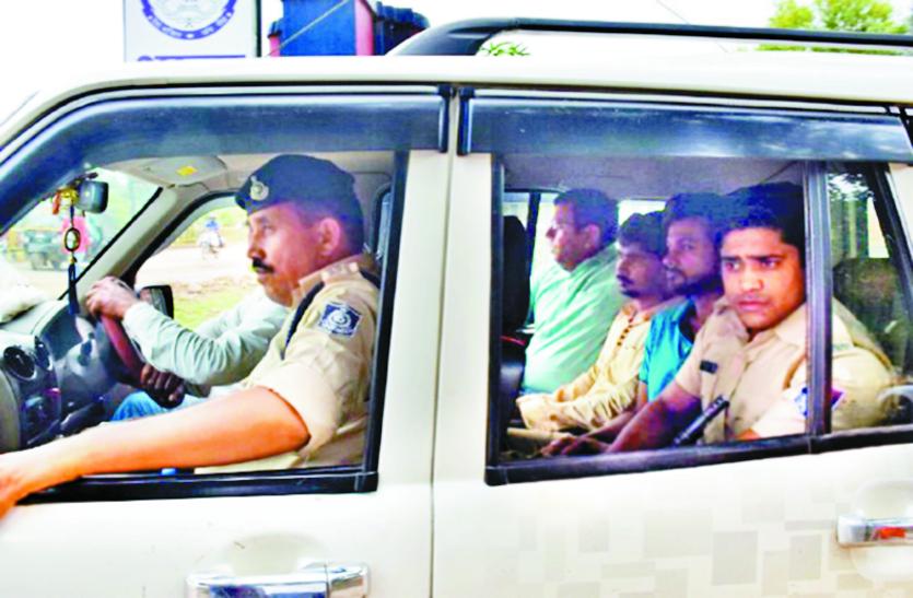 आतंकी संगठनों को मदद दे रहे MP के 3 एजेंट गिरफ्तार, SMS से पाकिस्तान को दी थी बधाई, पूछताछ जारी
