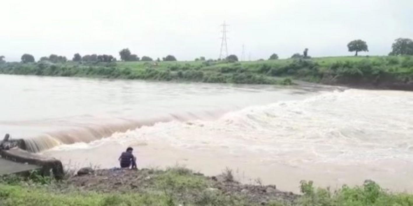 राशि स्वीकृत होने के बाद भी नहीं बन पा रहा गौरइया रपटा पुल