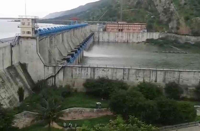 बीसलपुर बांध से बनास में पानी की निकासी जारी, गेट संख्या 9 से 3 हजार क्यूसेक छोड़ रहे हैं पानी