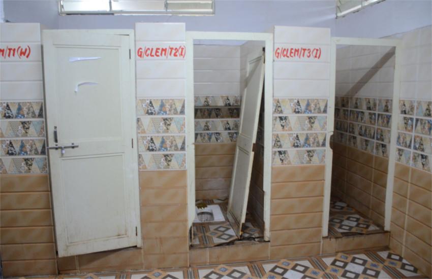 मैनटेनेंस के नाम पर १ करोड़ ९० लाख रुपए बहा दिए, फिर भी मरीजों को मिल रहे गंदे टॉयलेट