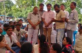 विद्यार्थी मित्रों का धरना-अनशन पूर्व मंत्री के आश्वासन पर समाप्त