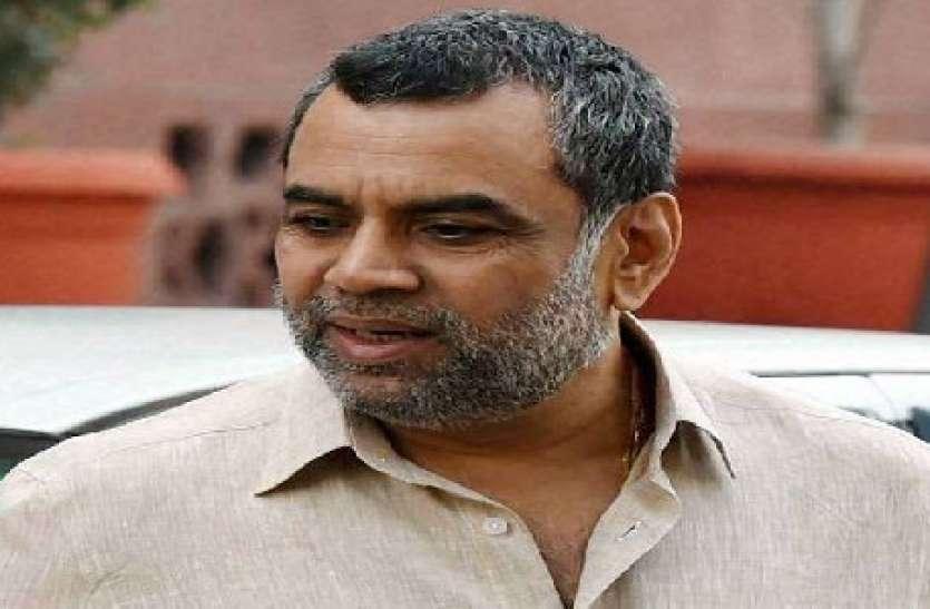 परेश रावल के ड्राइवर को मुंबई पुलिस ने किया गिरफ्तार, रेप का आरोप