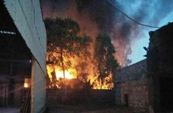 उद्योगनगरी भिवाड़ी में एक फैक्ट्री में लगी भीषण आग, करोड़ों का नुकसान हुआ, सदमे में पहुंचा फैक्ट्री मालिक