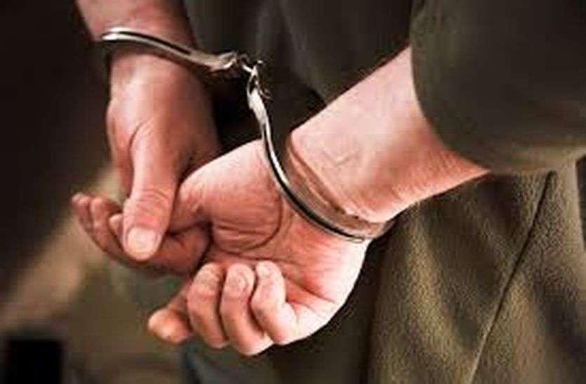 गैंग की मदद करने वाले दो युवक गिरफ्तार