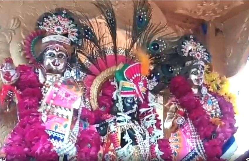 VIDEO : प्रभु ने पहने सवा किलो चांदी के मुकुट, स्वयंसेवकों ने बजाई बांसुरी, रजत रथ पर दिए दर्शन