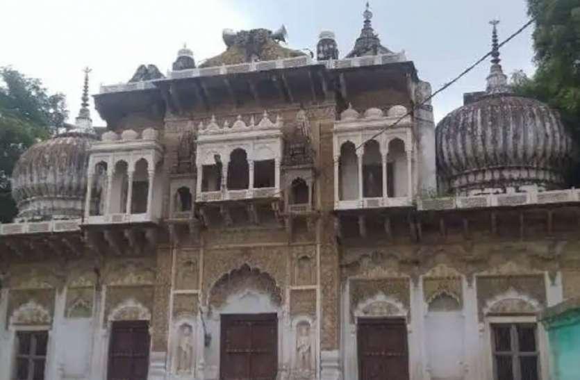 150 वर्ष पुराना यह राधाकृष्ण मंदिर है अनोखा, दीवारों की कला देख रहा जाएंगे दंग, लेकिन यह काम है वर्जित