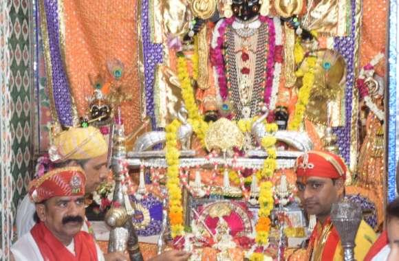 काली रात में जग को तारने आए पालनहार, जगदीश मंदिर में धूमधाम से मनी जन्माष्टमी