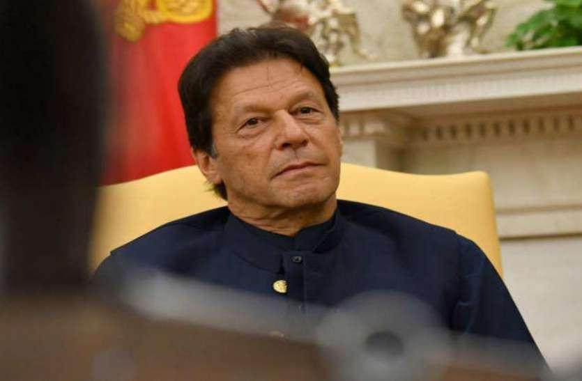 कश्मीर मुद्दे पर दुनिया से हारकर अब जर्मनी की शरण में पहुंचा PAK, इमरान खान ने एंजेला मर्केल से की बात