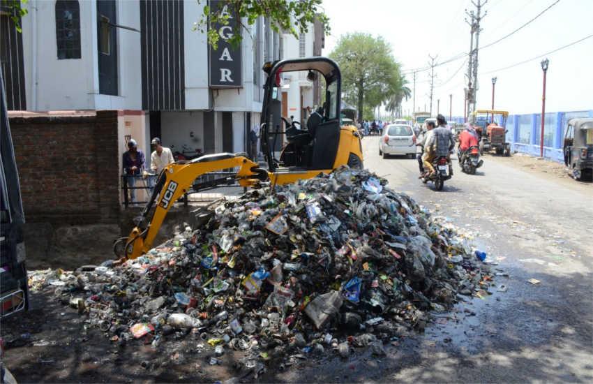 कचरा के विरोध में लामबंद हो रहे ग्रामीण