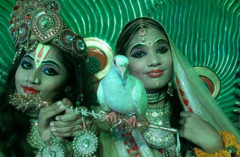 Krishna Janmashtami at ajmer : नंद के आनंद भयो, जय कन्हैया लाल की...