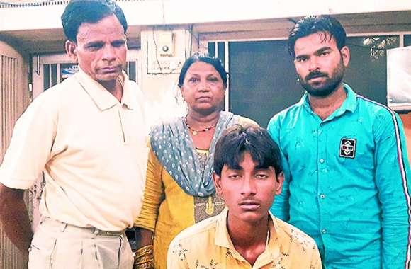 परिवार के सदस्यों को घर नहीं छोड़ा तो कांस्टेबल ने किशोर को बेरहमी से पीटा, थाने पहुंचा तो पुलिस ने भगाया