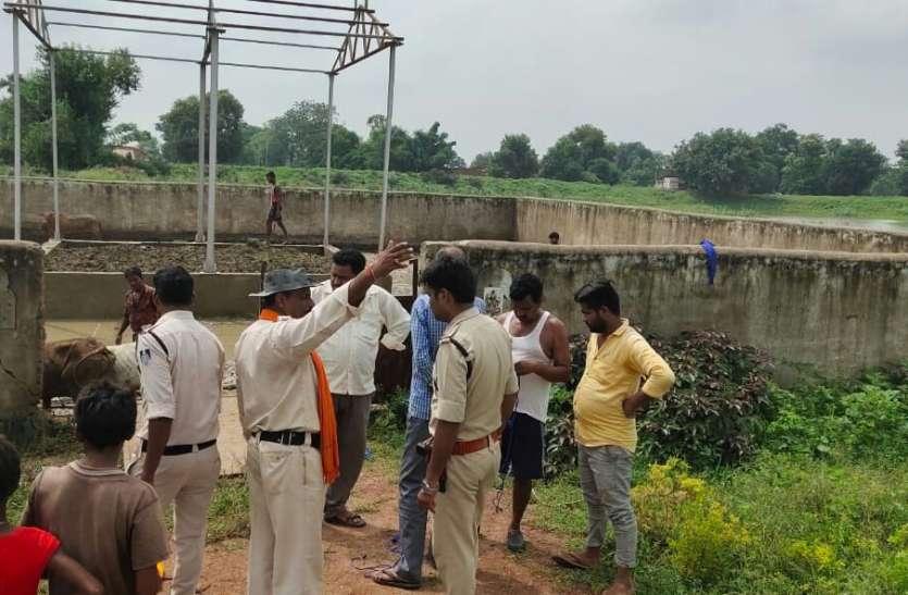 सप्ताह भर से मुक्तिधाम में भूख प्यास से तड़प रही थी सैकड़ों गाय, पुलिस ने कराया मुक्त