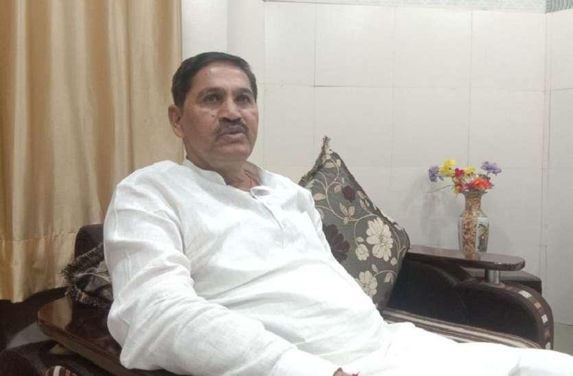 श्रीगंगानगर में खाद्य मंत्री ने स्वीकारा, केरोसीन की होती है कालाबाजारी