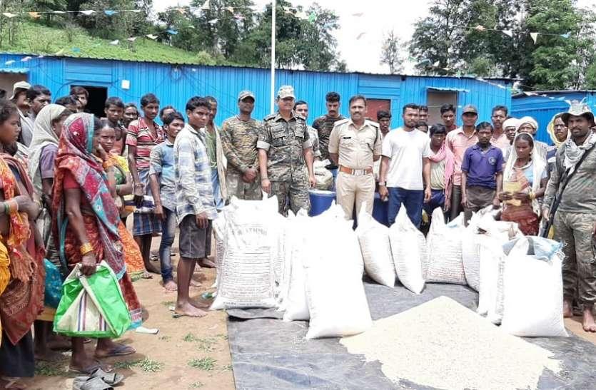 नक्सल प्रभावित ग्रामों में पहुंची पुलिस, जानी समस्याएं
