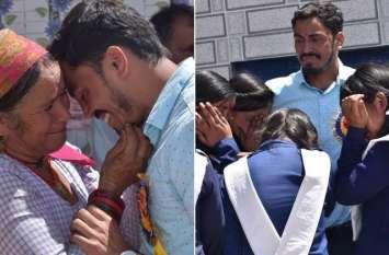 दमोह के बाद उत्तराखंड में भी टीचर की विदाई पर फूट-फूटकर रोए लोग, ऐसे किया रुखसत