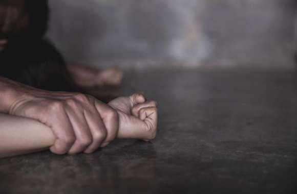 दुष्कर्म की शिकार नाबालिग हुई गर्भवती, अश्लील वीडियो बनाकर आरोपी युवक ने कई बार किया दुष्कर्म