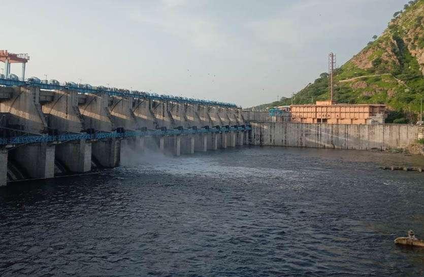 बीसलपुर में पानी की आवक जारी, बांध से बनास नदी में बढ़ाई पानी निकासी की मात्रा