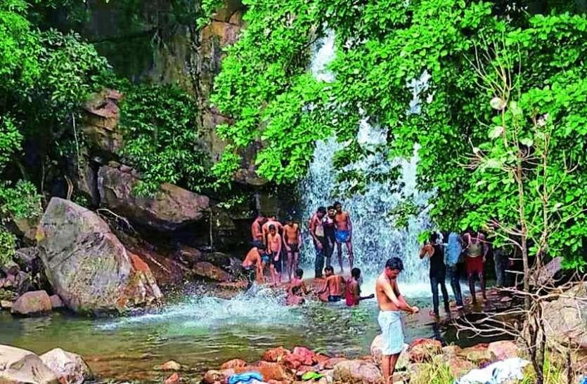 कट्ठीवाड़ा में खराब सडक़ों से पर्यटकों की संख्या में हुई कमी