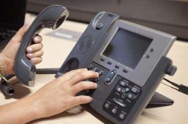 स्मार्टफोन के जमाने में गुम होते जा रहे लैंडलाइन फोन, जून में आधा फीसदी घटी ग्राहकों की संख्या
