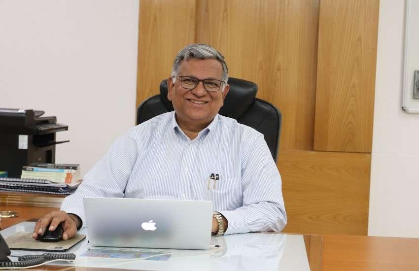 IIT Gandhinagar Director  आईआईटी गांधीनगर के निदेशक पद पर प्रो.सुधीर जैन की फिर वापसी