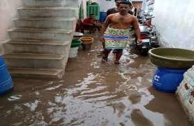 25 घण्टे तक होती रही रुक-रुक कर बारिश, तस्वीरों में देखें अपने शहर का हाल
