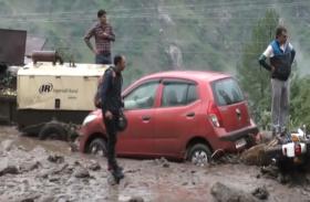 VIDEO: हिमाचल प्रदेश में बारिश का कहर, NH-5 बंद