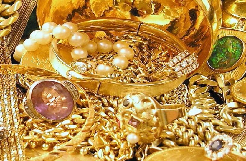 लाखों का सोना चांदी और नगद रुपए समेत दो लडक़े पकड़े गए, किया ये बड़ा खुलासा