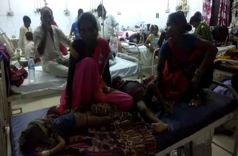 यूपी के इस जिला अस्पताल में अगस्त महीने में 10 बच्चों की मौत, डीएम ने कहा- गंभीर मामला नहीं, सामान्य घटना