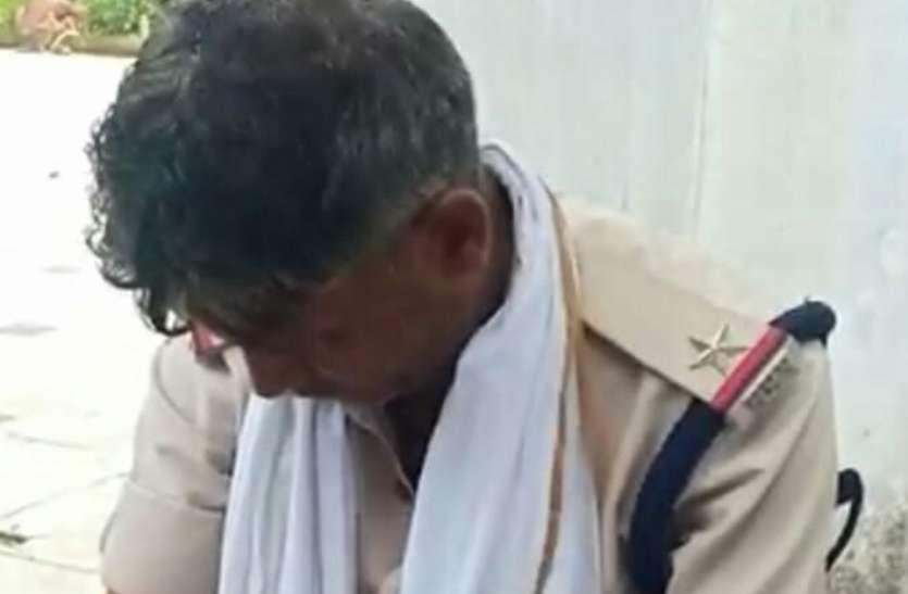 नशे में धुत्त पुलिसकर्मी कैदी का इलाज करवाने आए अस्पताल, जानिए मामला