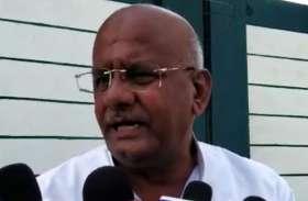 सपा के पूर्व कैबिनेट मंत्री ने साध्वी प्रज्ञा को बताया 'हाफ माइंड', मृत्यु पर कही ये बड़ी बात