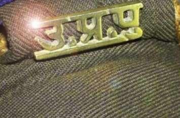 दुर्गा प्रतिमा विसर्जन के दौरान हुआ पथराव , एक सब इंस्पेक्टर समेत तीन पुलिसकर्मी सस्पेंड